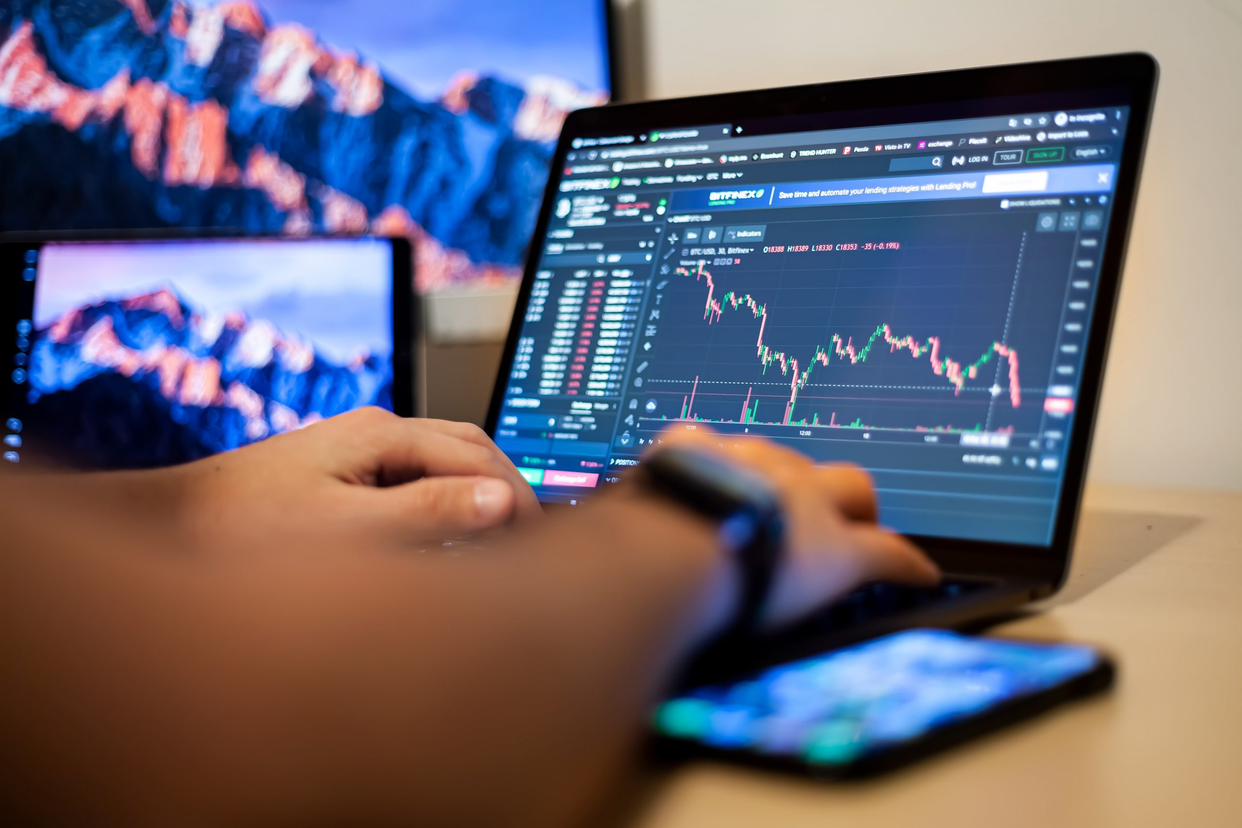3 Momentum Indicators and How They Simplify Your Forex Trading